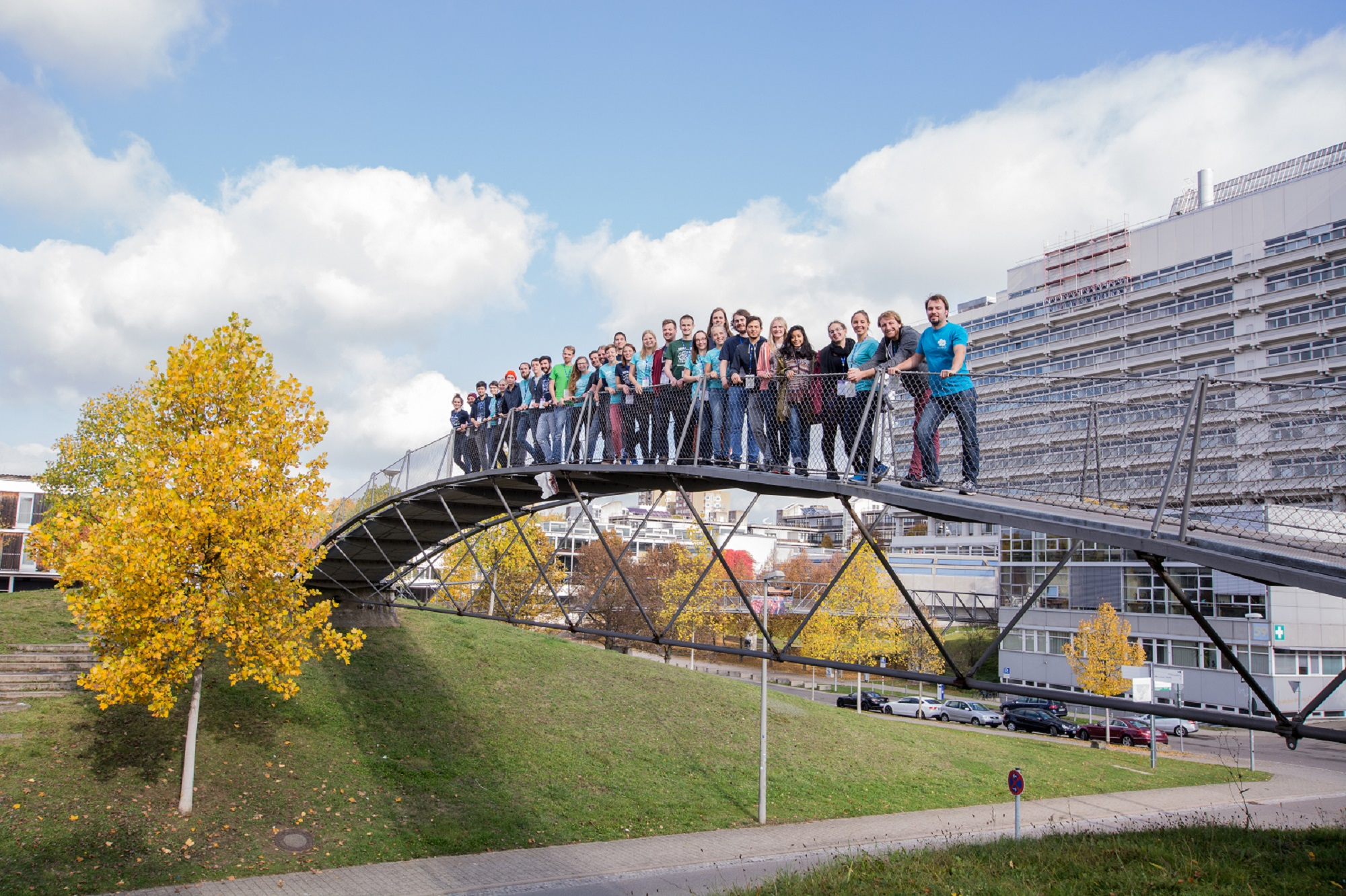 Strahlendes Herbstwetter - Campus Uni Stuttgart-Vaihingen